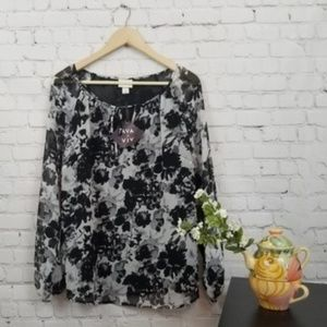 Ava & Viv NWT Black and Grey Floral Flowy Top